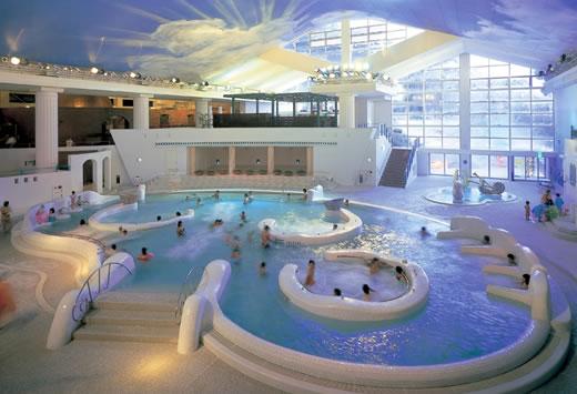 Yunessun Spa Resort